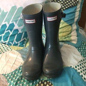 Hunter Short Rain Boots in Graphite